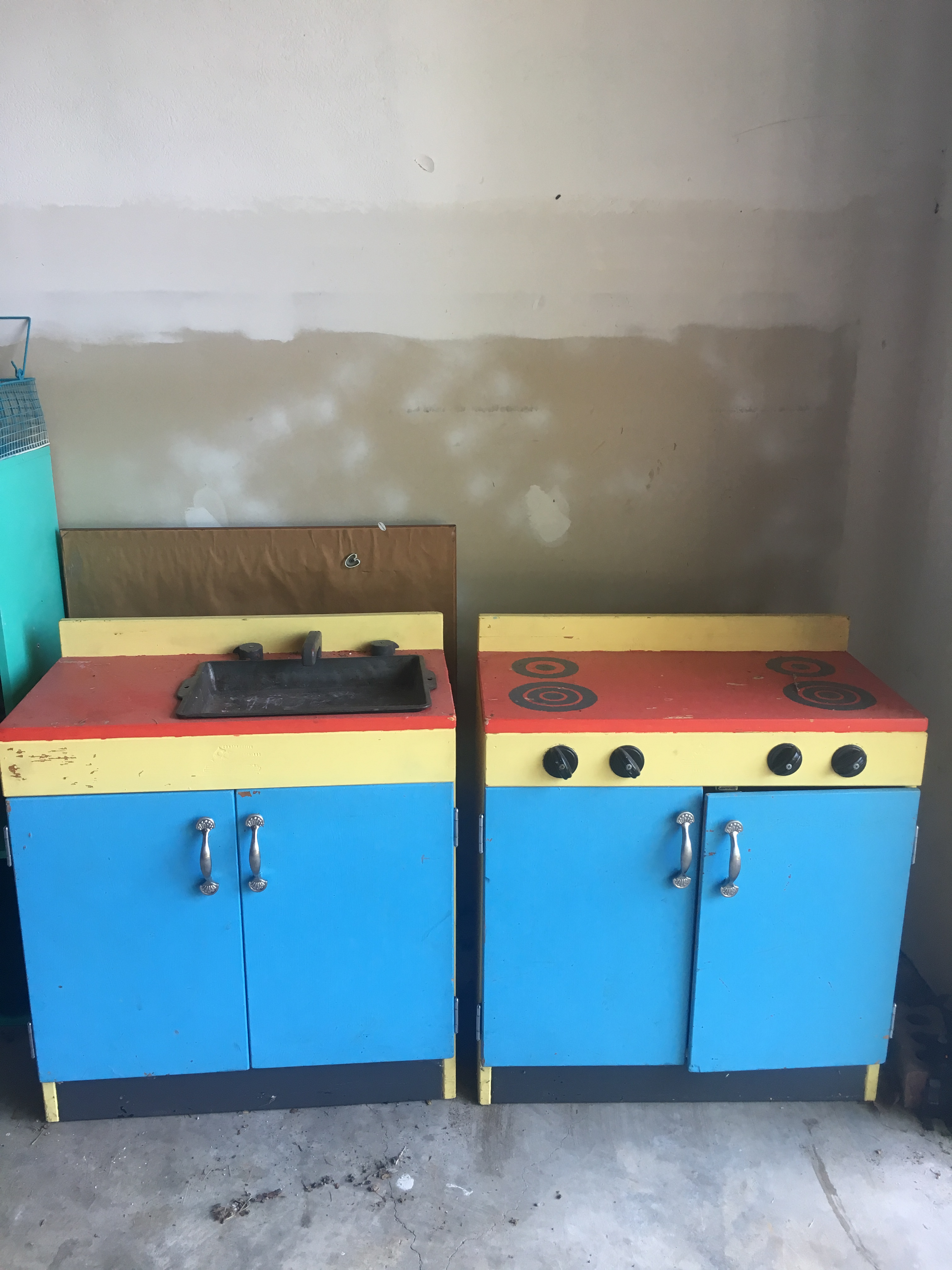 lets take a moment and admire the beauty that is the before - Diy Kids Kitchen